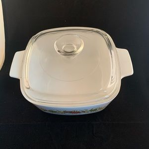 Vintage Kitchen - Vtg CorningWare spice of life casserole with lid